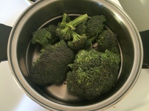 raw broccoli ready to be steamed