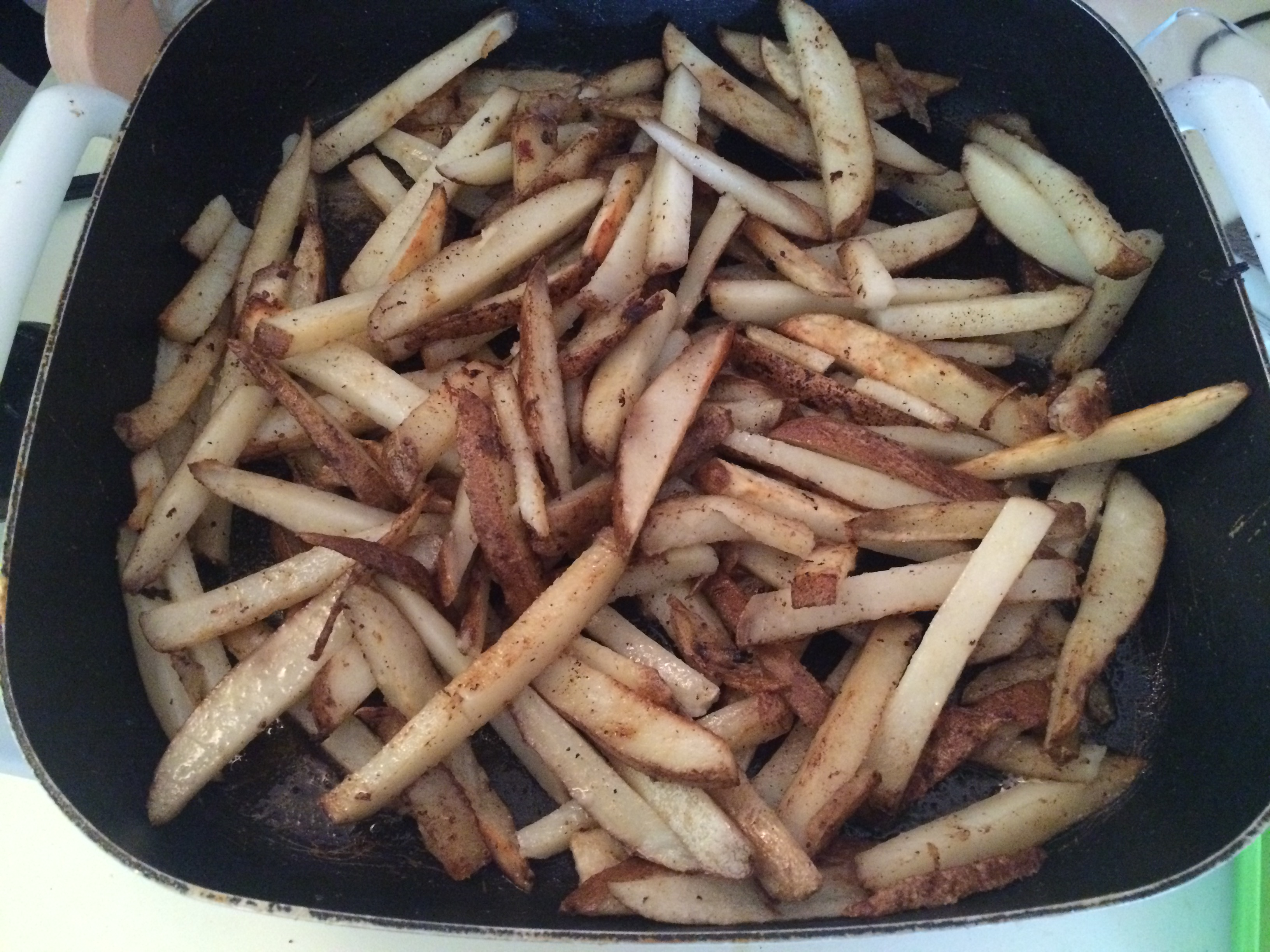 potato fries cooking