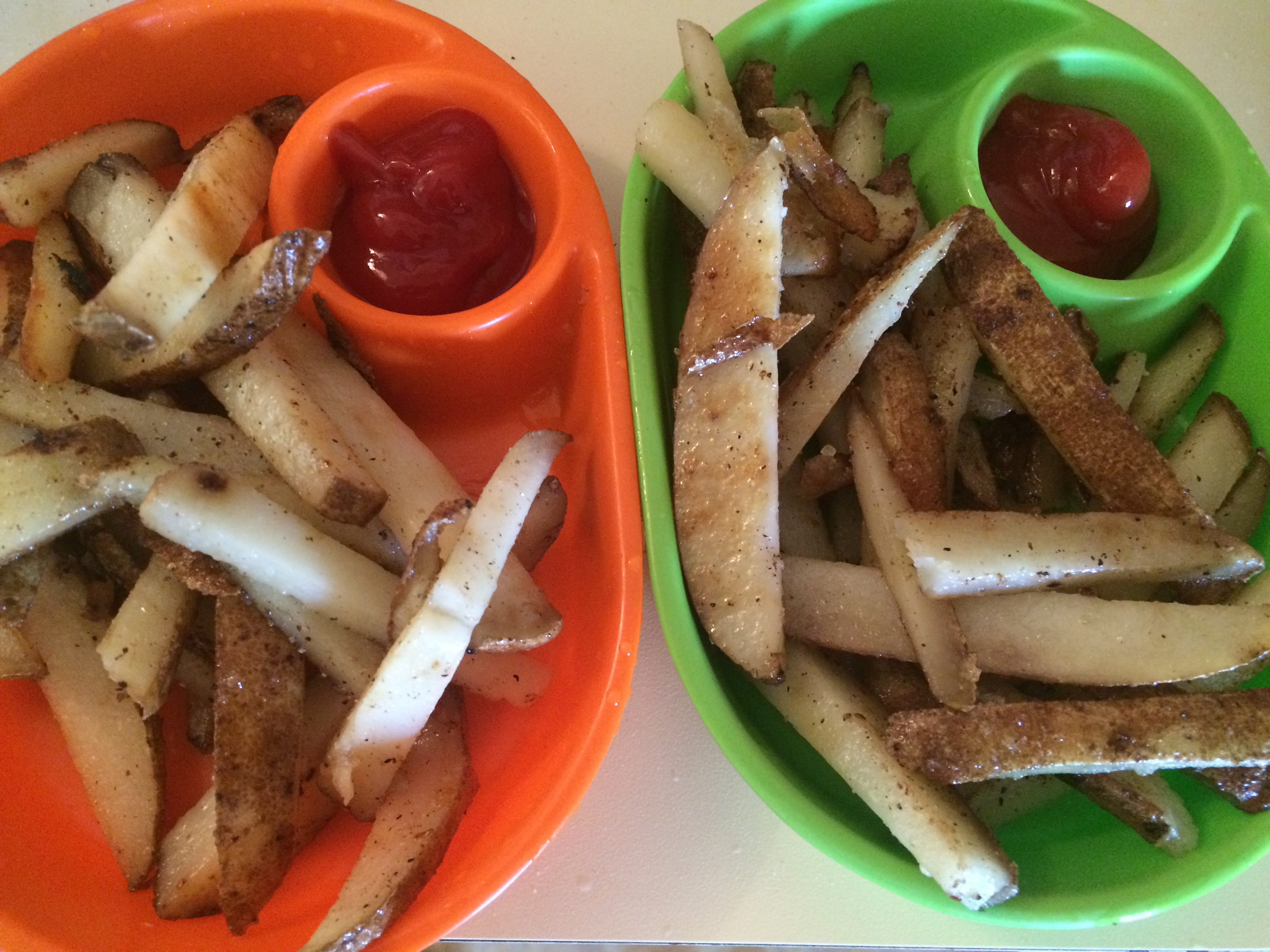 potato fries with ketchup
