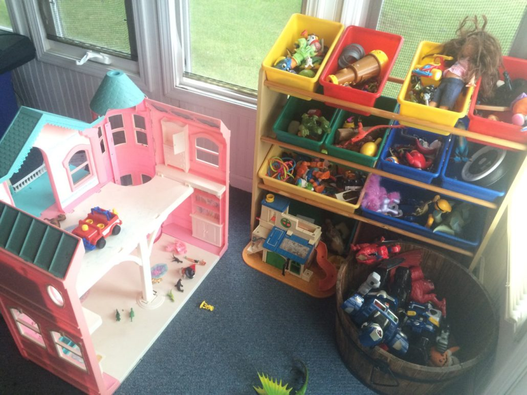 Doll House with Toy Baskets